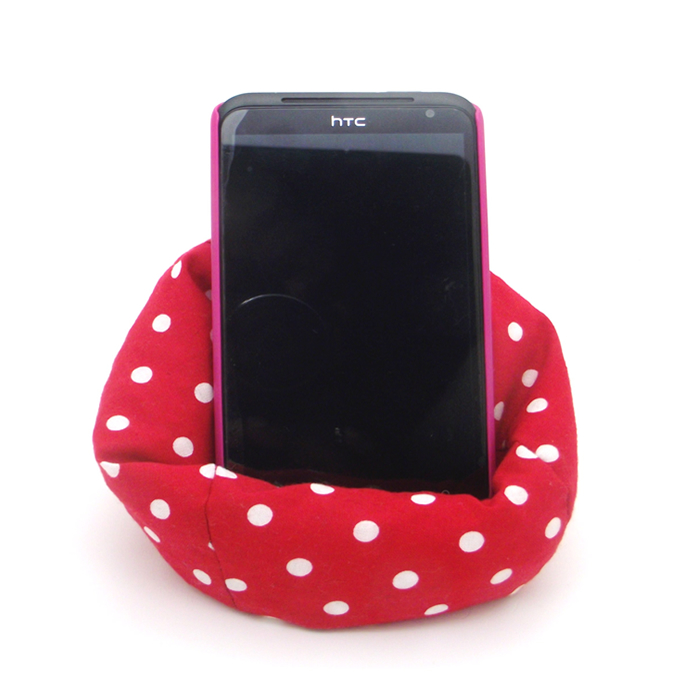 Red Polka Dot Mobeanie